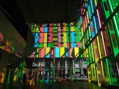 Canada_Mon..ny_rainbow3.jpg