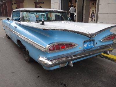 Cuba_Sony_Car1.jpg